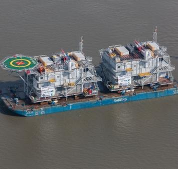 Gemini's twee offshore hoogspannings-onderstations varen uit