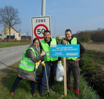 Iemants and Willems participate in the first litter campaign of IOK.