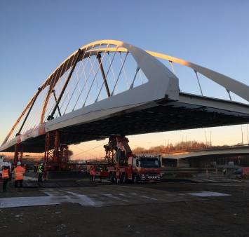 Temporary bridge of 1,000 tons installed